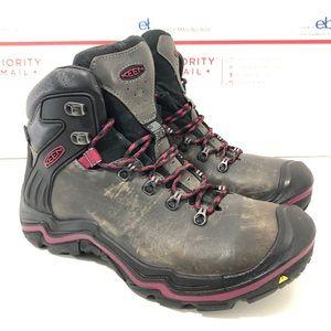 Keen waterproof Hiking boots women's 9